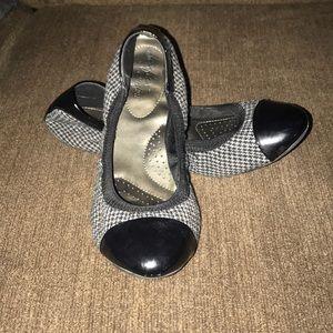 Dexflex Comfort Ballet Flats Size 8